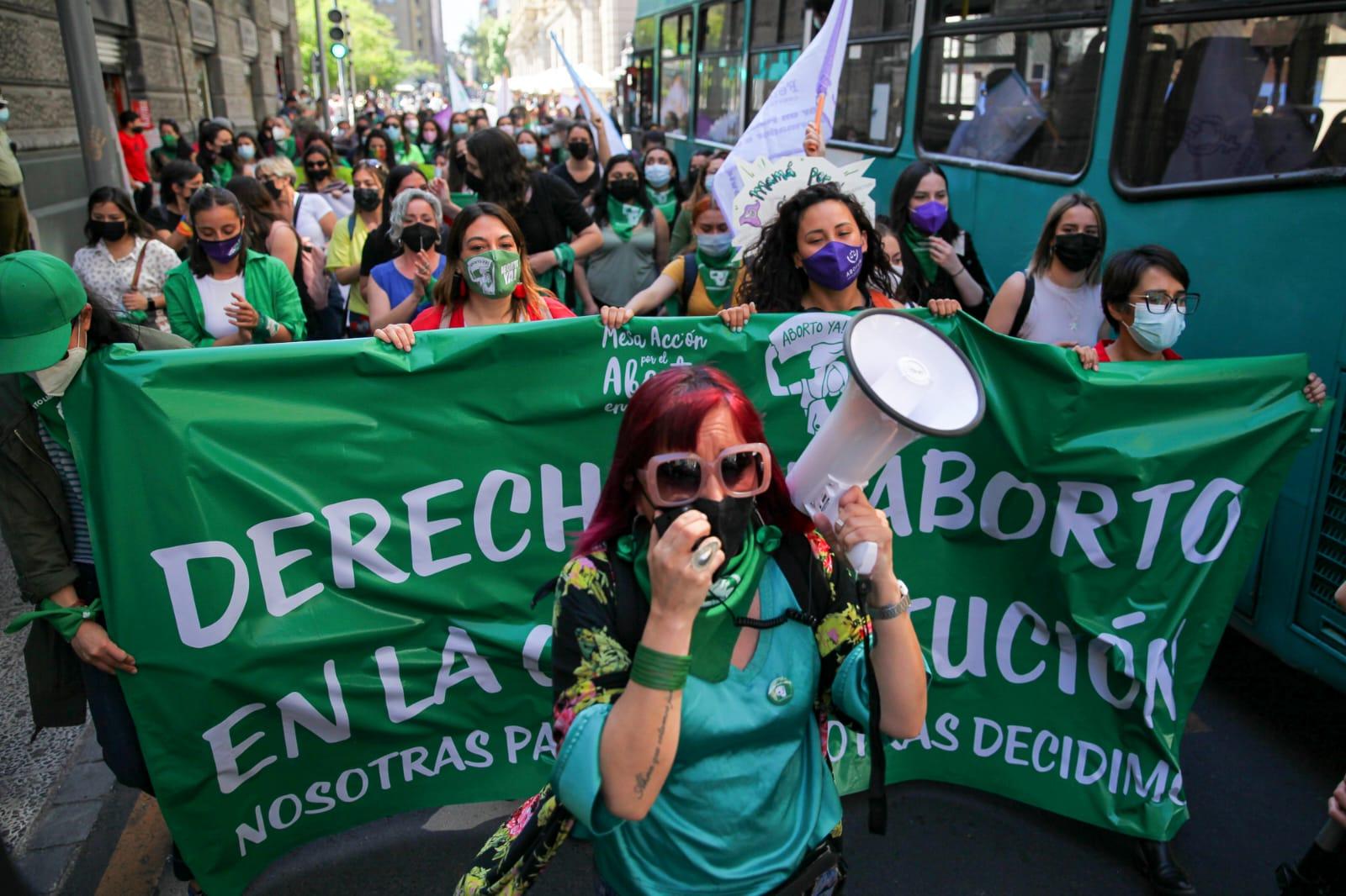 La justificación del aborto en la opinión pública chilena: Evolución y comparación internacional